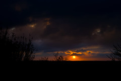 sunset in alignan (MadmT) Tags: sunset cloud sun vent cloudy du madmat alignan madmt wwwmadmatnet