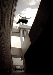 180 Leap To Freedom (Ez Styla) Tags: freerunning uf parkour urbanfreeflow freerun