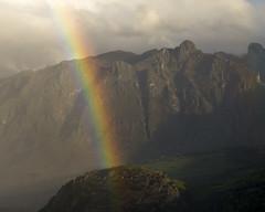 Primavera en Cabrales (jtsoft) Tags: sunset mountains arcoiris landscape asturias olympus nubes picosdeeuropa e510 cabrales zd50200mm jtsoftorg tebrandi