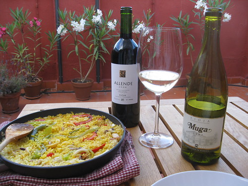 Paella, Muga and Allende 2004 on the terrace in Chueca (100_9594) by ricard67.