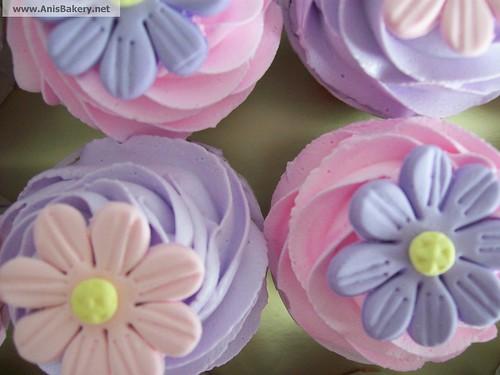 Wedding Cupcakes @ AnisBAkery.net
