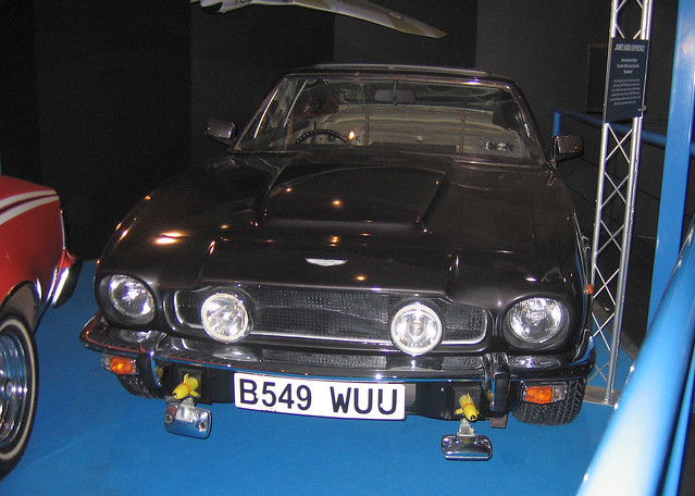 car bond newforest beaulieu nationalmotormuseum automobiles jamesbond motoring astonmartinv8vantage