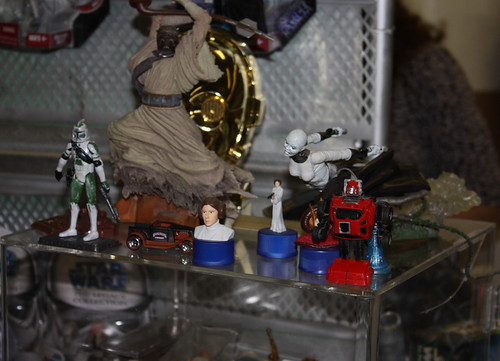 Toy Show: Poor Cliffjumper. Alone amongst Star Wars crap.