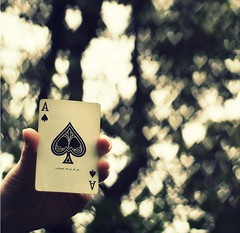 The Ace of Spades (~aspidistra~) Tags: playing hearts cards 50mm hand bokeh 4 explore manual fp motorhead aceofspades fgr seriese heartbokeh bokehwhores thiswouldhavebeensomucheasierwithaf