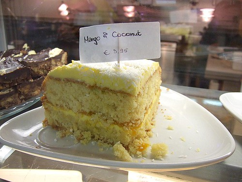 mango and coconut cake at Joup