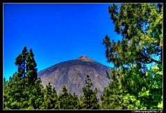 Teide (baycibi) Tags: blue sky mountains tree green landscape canarias tenerife teide vulcano volcan theworldisbeautiful anawesomeshot canon400drebelxti
