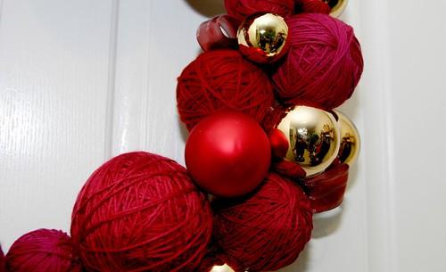 yarn ball wreath closeup