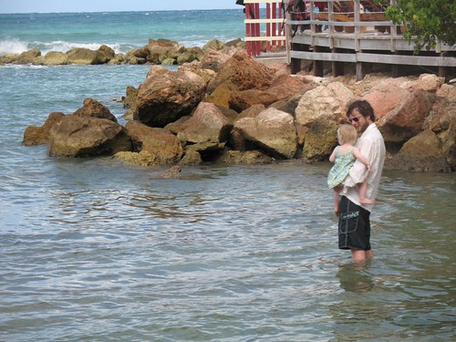Daddy shows Fay the ocean