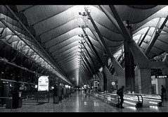 airport (ifstarsarelit) Tags: madrid bw architecture night blackwhite spain waiting time mad patience barajas waitingtime waitinghall jamás transitlounge madridbarajasinternationalairport aeropuertodemadridbarajas