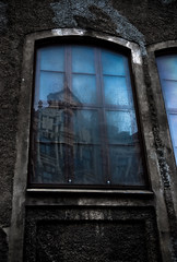 Unreal City (gothicburg) Tags: reflection window dark göteborg sweden gothenburg lichen sverige blueskies lightroom tseliot prinsgatan guessedgbg