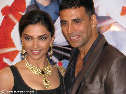 photo of Deepika Padukone and Akshay Kumar