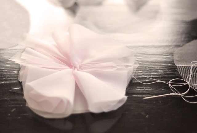 DIY Chiffon Flower French Pouf -5