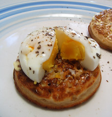 Yet still not runny enough (Annie Mole) Tags: egg brunch crumpet poachedegg nomnomnom