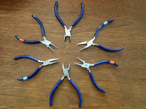 6 pliers out of 60