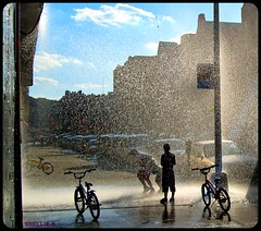 heatwave relief NY style #2- details (ziggywiggy1(SHELLIE B.)) Tags: nyc blue fab color art water clouds manhattan bluesky 100v10f harmony inspire breathtaking shiningstar picnik streetscenes inwood worldclass hardcorestreetphotography 50fav aworkofart