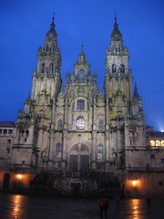 "Santiago Cathedral at Night • <a style=""font-size:0.8em;"" href=""http://www.flickr.com/photos/48277923@N00/2626413544/"" target=""_blank"">View on Flickr</a>"