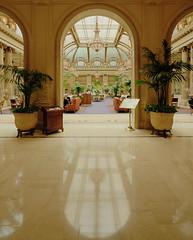 The Palace Hotel, San Francisco DRI (David Giral | davidgiralphoto.com) Tags: usa david architecture hotel nikon san francisco downtown unitedstatesofamerica entrance palace d200 sigma1020mm sigma1020 nikond200 davidgiral