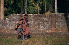 school days (latoti) Tags: india students kids children bambini kerala backwaters southindia alleppey alappuzha scolari indiadelsud