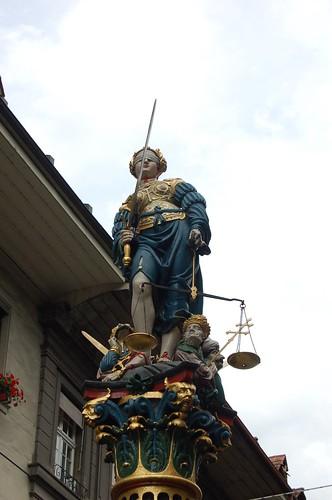 正義の女神の噴水