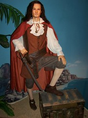 Hollywood Wax Museum (Adventurer Dustin Holmes) Tags: celebrity mannequin museum actors mannequins treasure pirates pirate actor celebrities wax museums orlandobloom piratesofthecaribbean treasurechest swashbuckler bransonmissouri bransonmo hollywoodwaxmuseum willturner buccanear hollywoodwaxmuseumbranson