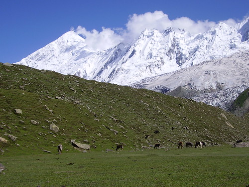 Deran Peak with Rakaposhi massif