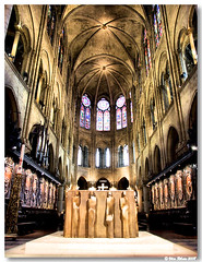 Paris_Notre_Dame_nave_central01 (vmribeiro.net) Tags: paris france church cathedral gothic catedral frana notredame gtico mywinners aplusphoto