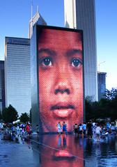A face in the crowd (James Jordan) Tags: park chicago tower fountain face dusk millennium crown soe s700 platinumphoto anawesomeshot aplusphoto ysplix