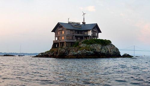 2828078912 75061810bc Uma ilha, uma casa