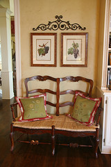 SeatingArea6 (Burton Walsh Interiors) Tags: botanical antique pillows loveseat prints custom interiordesign grape familyroom sittingarea rushseat burtonwalshinteriors