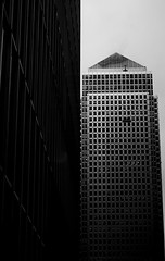 . One C. Sq. . (3amfromkyoto) Tags: city building london 1 canarywharftower onecanadasquare 3amfromkyoto