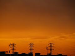 Se va la tarde (_Zahira_) Tags: sunset sky contraluz lafotodelasemana atardecer olympus cielo nd naranja oranje e500 uro 100vistas p1f1 ltytrx5 ltytr2 ltytr1 ltytr3