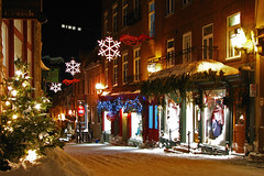 Christmas in Quebec city (Nino H) Tags: christmas old travel light canada architecture night buildings quebec lumire qubec quebeccity nol nuit villedequbec cartierpetitchamplain photoquebec