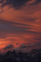 Caliente (FOTOS BENO) Tags: chile park parque patagonia mountain southamerica nationalpark torresdelpaine montanhas montaas montagnes magallanes parquenacional sudamrica suramrica amricadelsur latinoamrica regindemagallanes parqnational