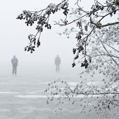 going for a skate (beeldmark) Tags: winter mist lake holland netherlands fog geotagged 50mm frozen europa europe f14 iceskating nederland smc  schaatsen reeuwijk reeuwijkseplassen pentaxfa natuurijs k10d smcpfa50mmf14 smcpentaxfa50mmf14 ddd5 beeldmark dolledokadonderdag geo:lat=52037292 geo:lon=4768564 zouhetwelhouden hoeligthetijserbij geenideeikzieniks