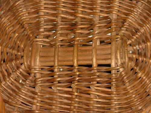 wicker basket detail inside 1