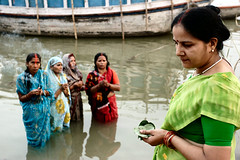 Sun Puja, india (Mark William Brunner) Tags: portrait india color water canon ganges banaras varnasi markwilliambrunner sunpuja