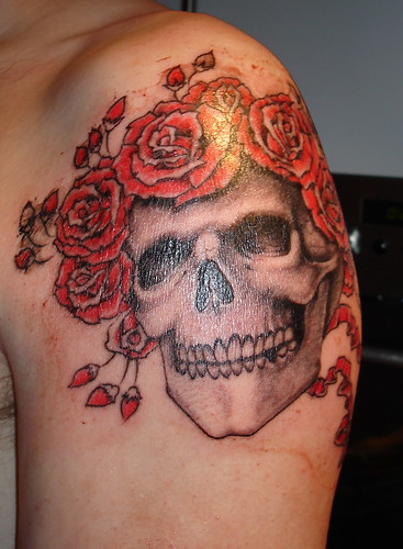 skull and roses tattoo · skull tattoo