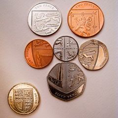 Royal Shield composed of new 2009 UK coins