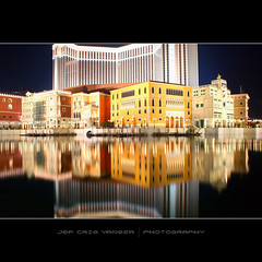 Venetian Macao-II (jef cris) Tags: night reflections shot venetian macau flickrsbest cotaistrip canon400d jefcrisyaneza highscoreme quotesfromwesbentley