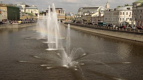 Москва: Фонтаны на Водоотводном канале