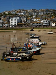 St Ives Cornwall (saxonfenken) Tags: beach buildings boats cornwall stives bouys 140 gamewinner fishingbots friendlychallenges thechallengefactory yourockwinner herowinner storybookwinner pregamewinner stivese5100625 140boats