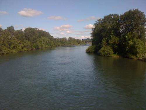willamette river.JPG