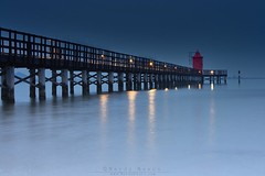l'ora blu a lignano sabbiadoro (~ May ~) Tags: longexposure italien blue light sea italy beach night star italia blu award venezia far lightouse giulia doro 400asa lignano friuli sabbia pontile pineta lignanosabbiadoro sabbiadoro