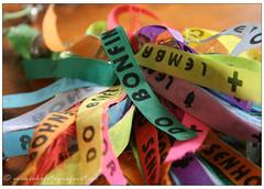 Bonfim wish ribbons. (mariekefotografeert) Tags: bonfim keys coloured sleutelhanger mariekefotografeert wishribbons beschermlintjes