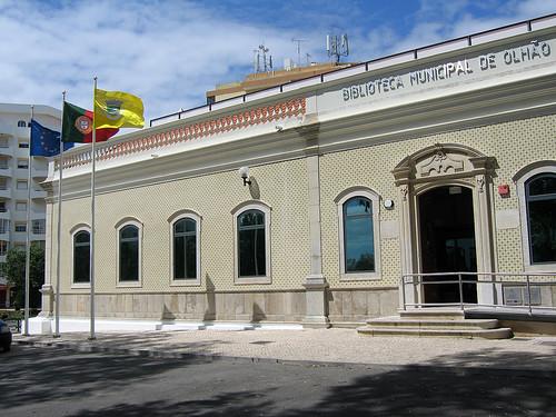 Biblioteca Municipal de Olh?o