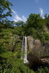 青空と白竜の滝
