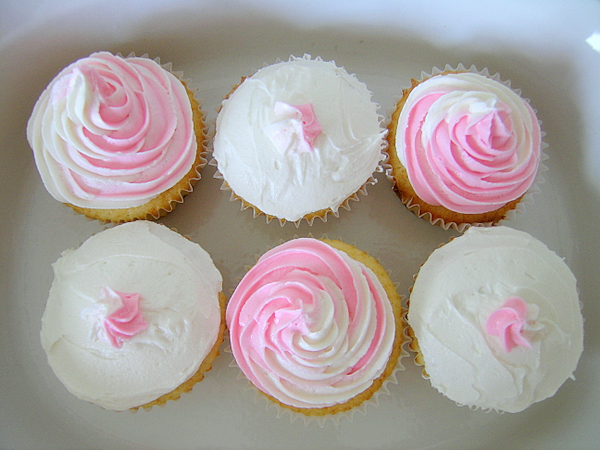 Congrats, It's A Girl! Cupcakes