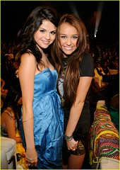 Miley & Selena (Danielle's allergic to JB Poison Ivy ( ISKJ)) Tags: with teen demi choice awards cyrus 2008 selena gomez miley lovato