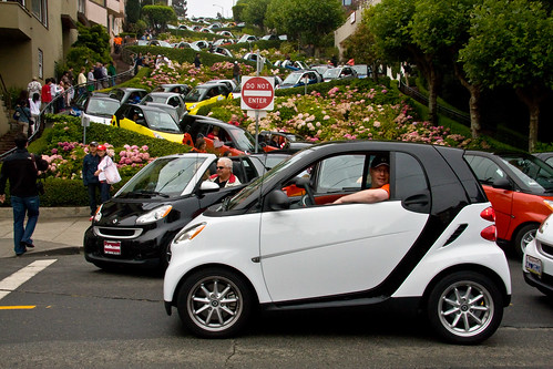 08.17.08 : Smart Cars Taking Over Lombard Street