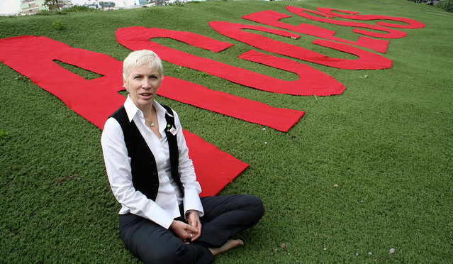 Annie Lennox campaigns with Oxfam at the AIDS Conference by Oxfam International